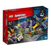 Joker™ útočí na Batcave