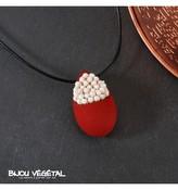 Živé šperky - Náhrdelník Slza červený s trvalými bílými květy