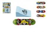 Skateboard prstový s rampou plast 10cm mix barev na kartě