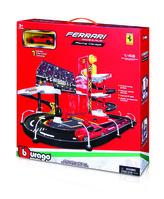Bburago 1:43 Ferrari Race & Play garáž s jedním autíčkem 30197
